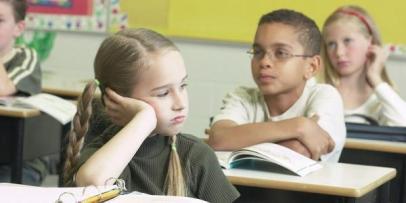 aprendiz-de-maestro-atencion-en-clase